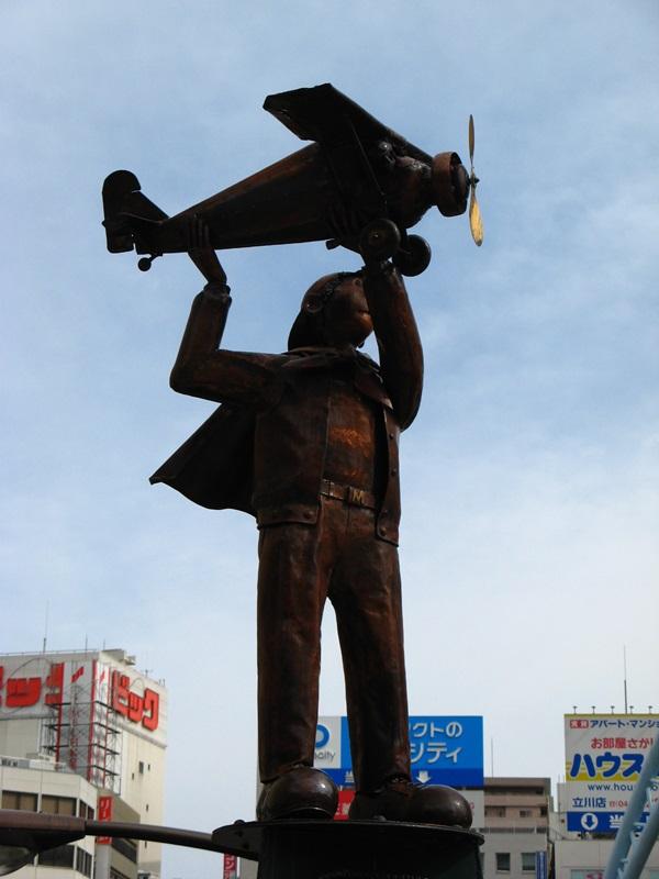 写真98 赤川Bonze氏による「風にむかって」横面